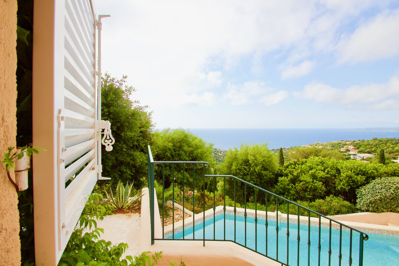 Les Issambres - Higher-level detached villa with fantastic sea view!