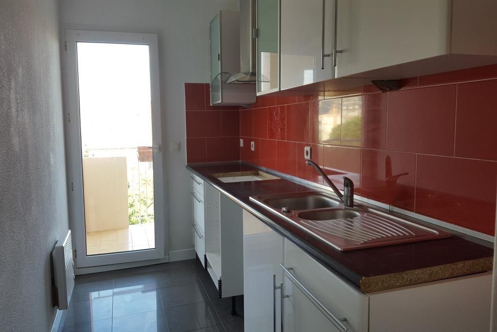 RUE AUGUSTE RODIN Très beau 3 pièces de 62m² traversant 1er étage/rez de jardin dans une résidence sécurisée .