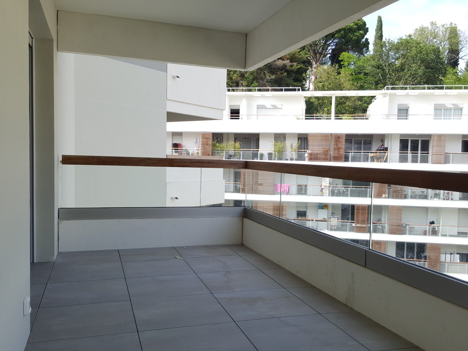 A LOUER - STUDIO NEUF - AVENUE MICHEL JOURDAN - CANNES LA BOCCA 06150