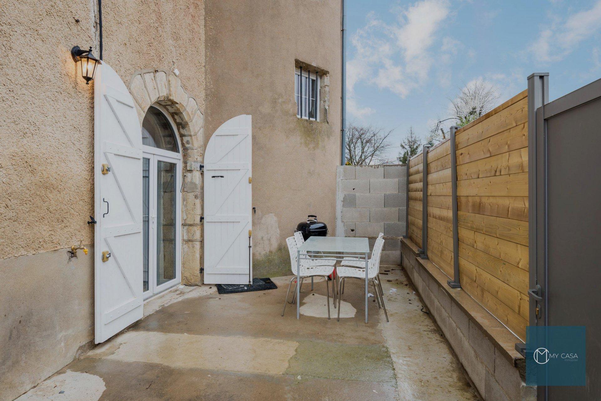 MONTANAY - T3 rénové avec terrasse et 2 parkings