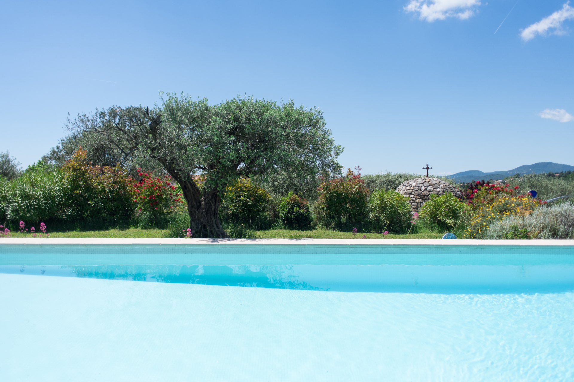 Fayence area: bastide with panoramique views