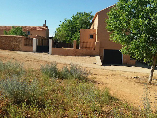 33ha of land and 2 cortijos fully renovated for an incredible price!!!!