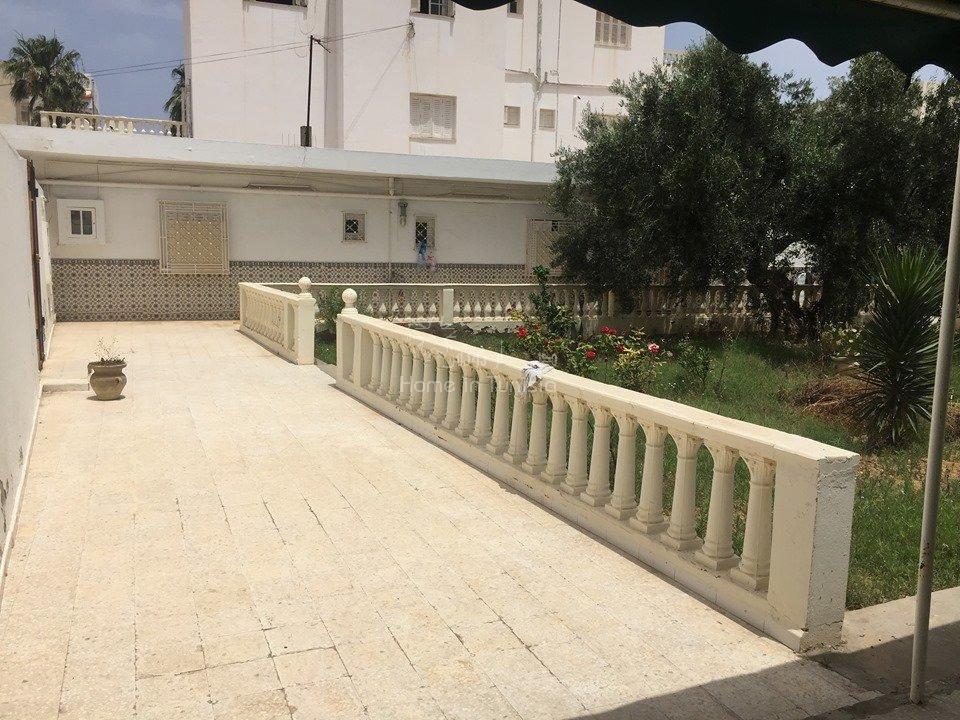 a vendre villa 550m2 a proximité de la falaise de monastir