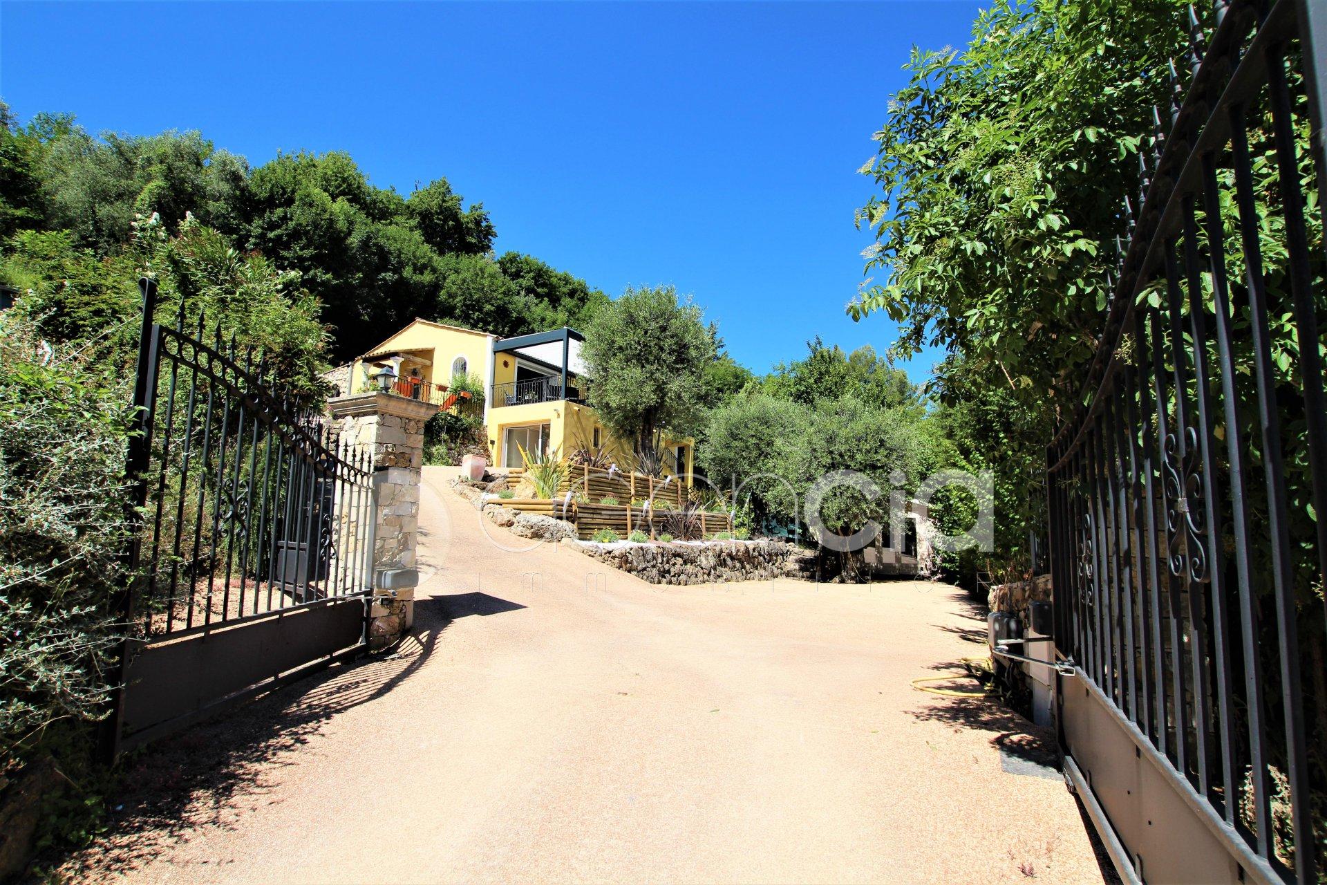 Exclusivité Agencia !Vente villa de plain pied au ROURET