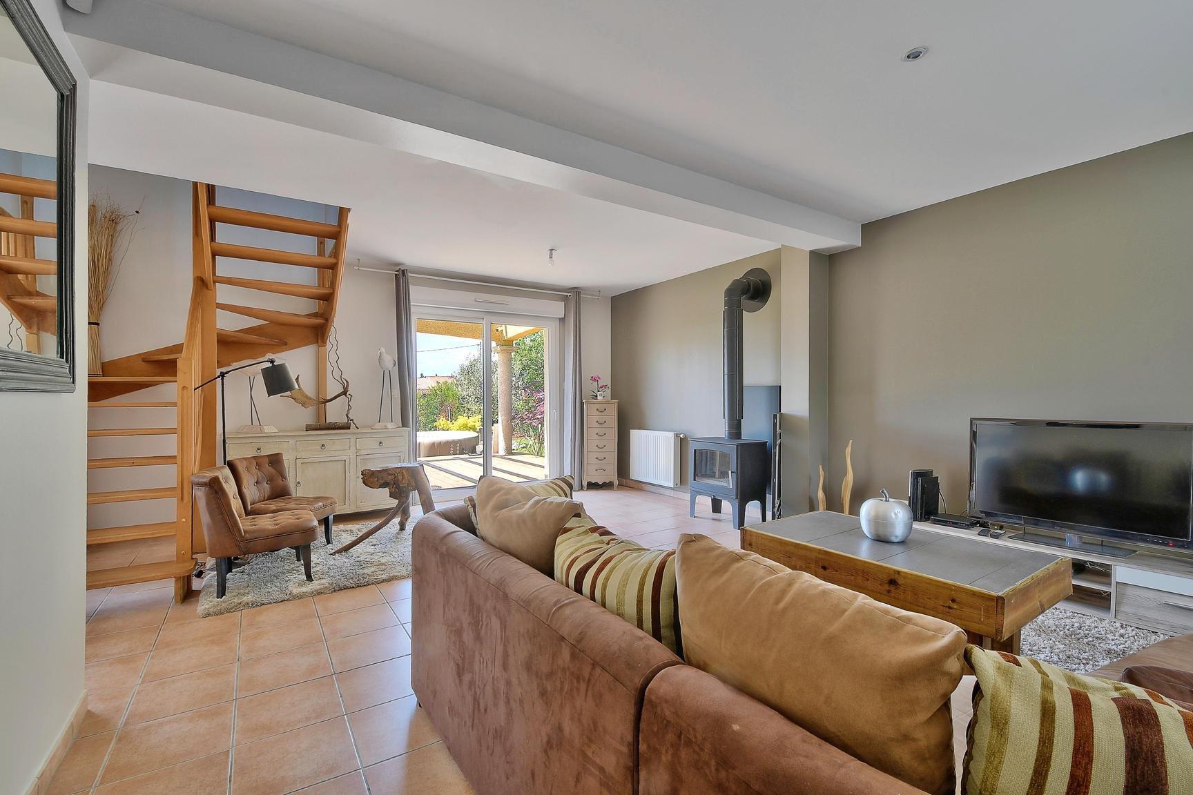 Villa de type 6 d'environ 120 m2 hab sur environ 8