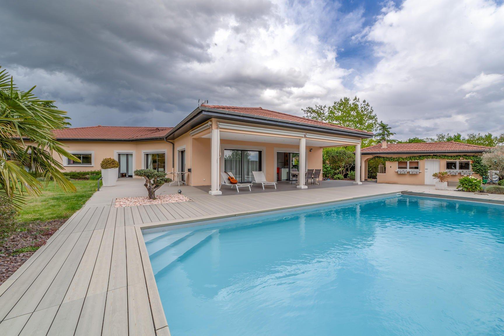 Villa haut de gamme entièrement de plain-pied