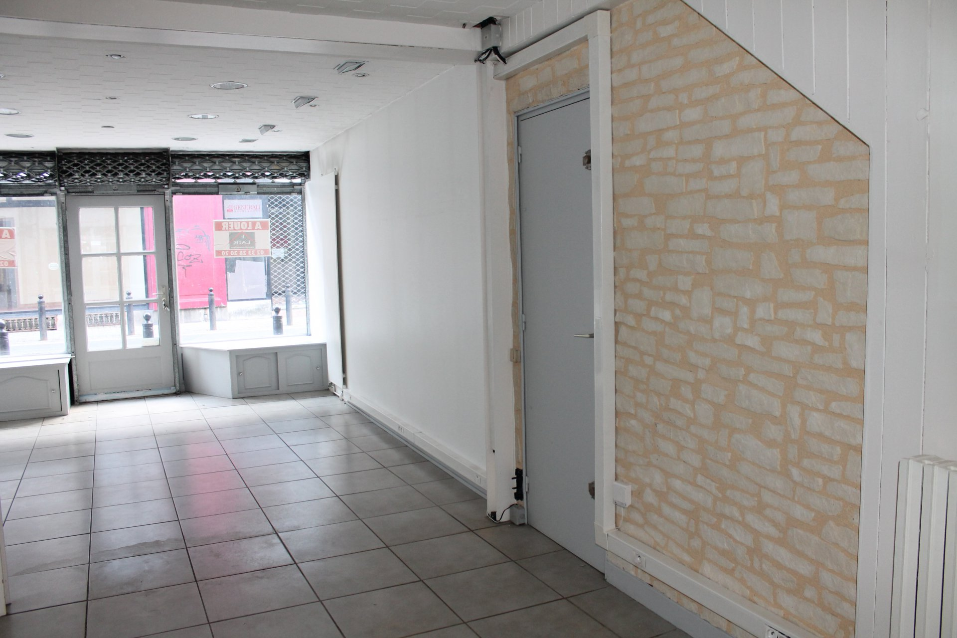IMMEUBLE 137 M² 2 appart + magasin