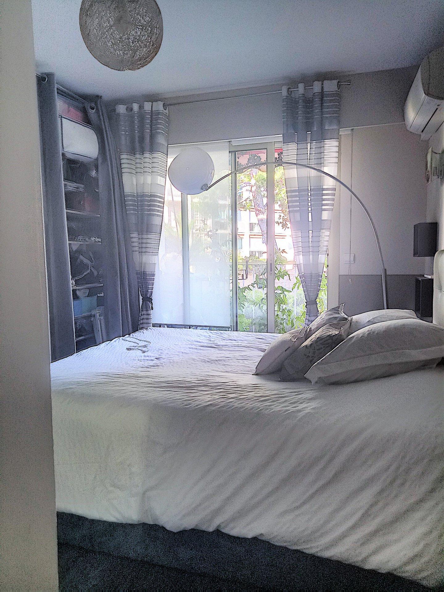 Saint Laurent du Var ( 06700 ) Appartement 3 pièces 75m² - Parking - Cave