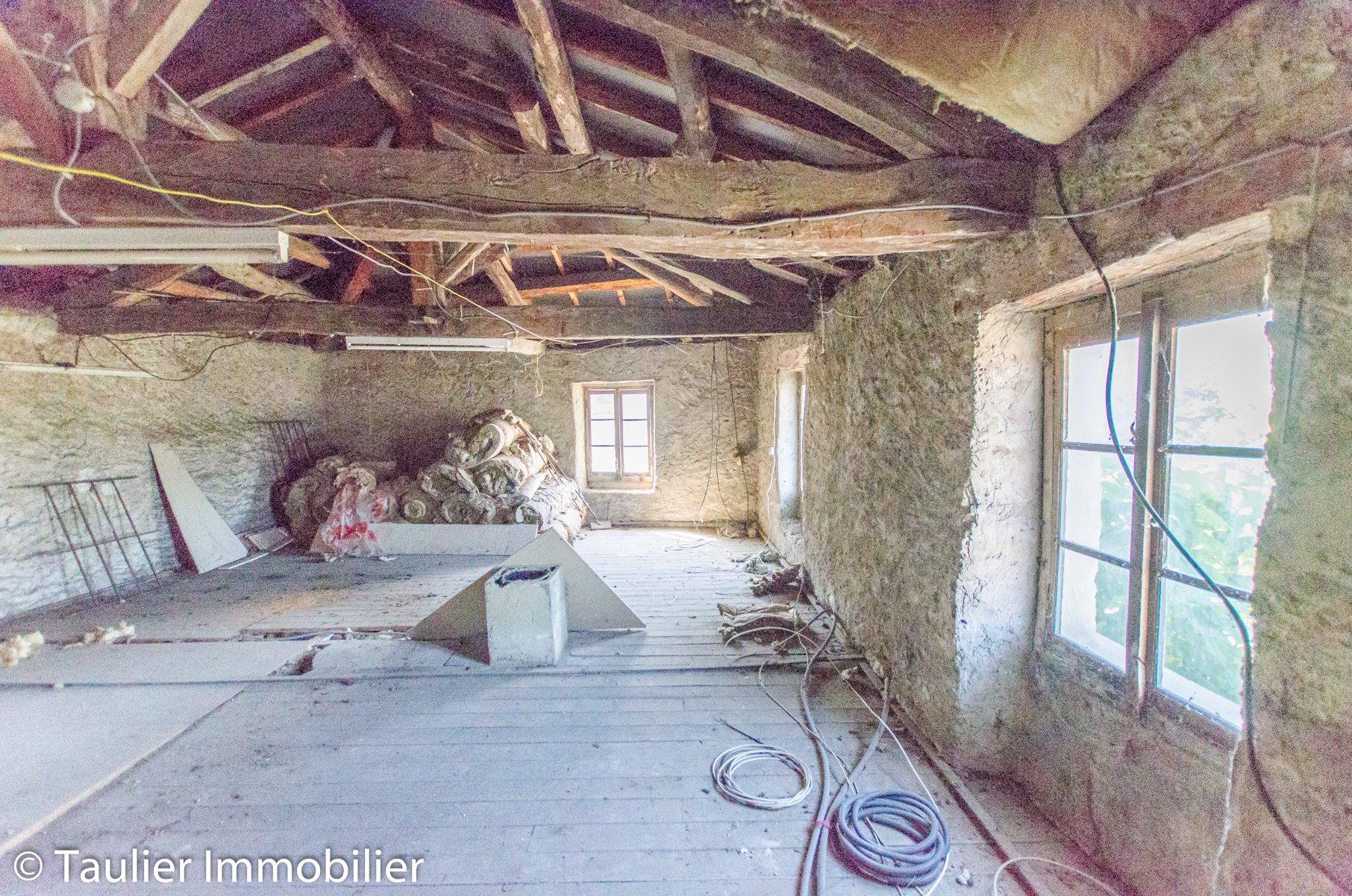 Maison de village, avec jardin et dépendances