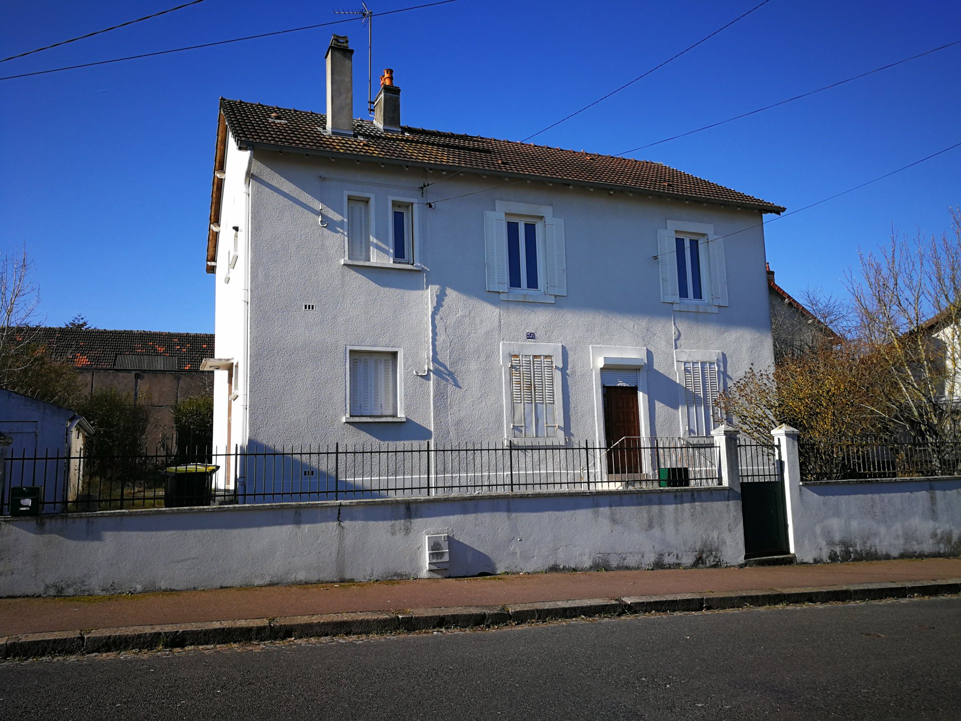 Le Creusot, quartier Croix Menée, IMMEUBLE DE RAPPORT INDEPENDANT
