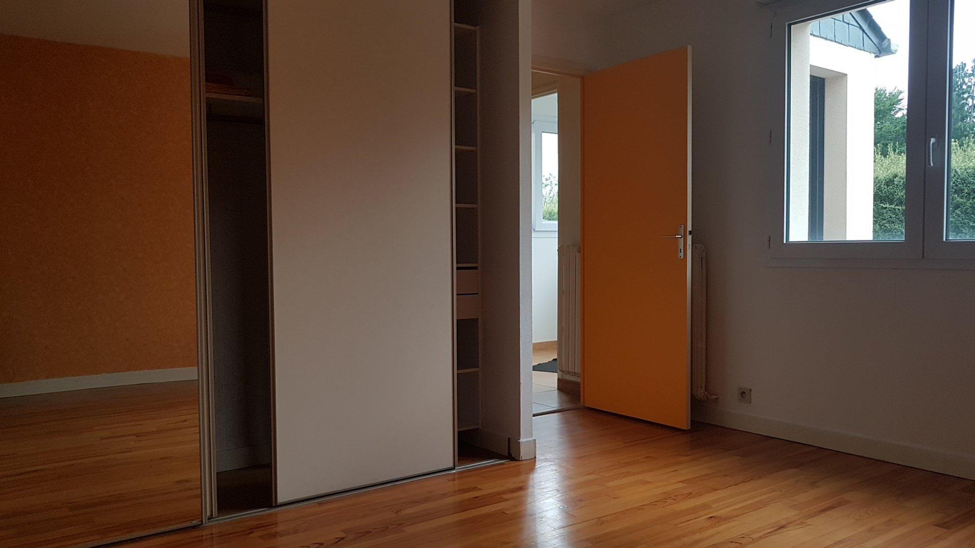 Bohars, belle contemporaine de  5 chambres