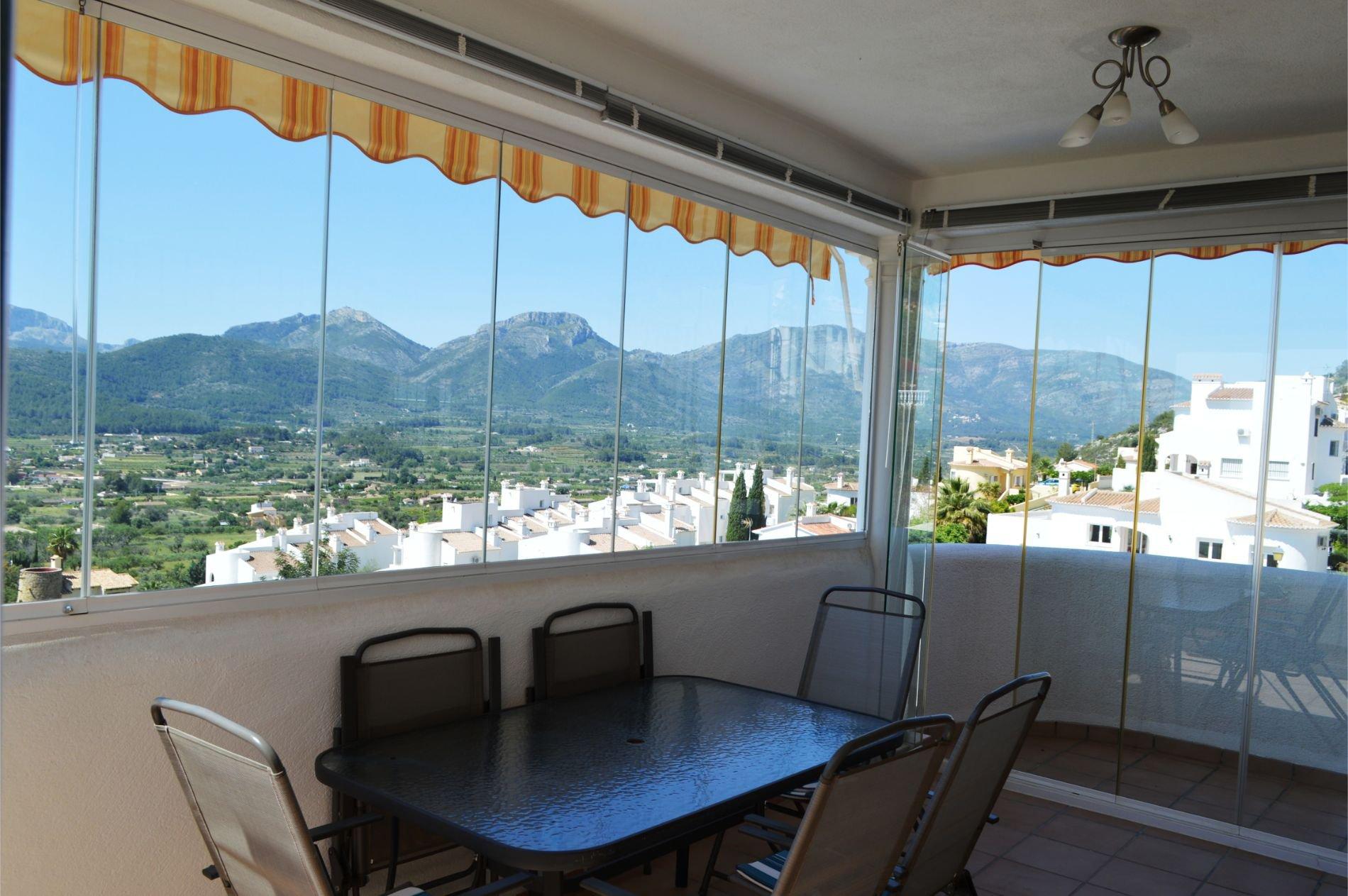 Villa spacieuse avec une vue imprenable sur la vallée de Jalon
