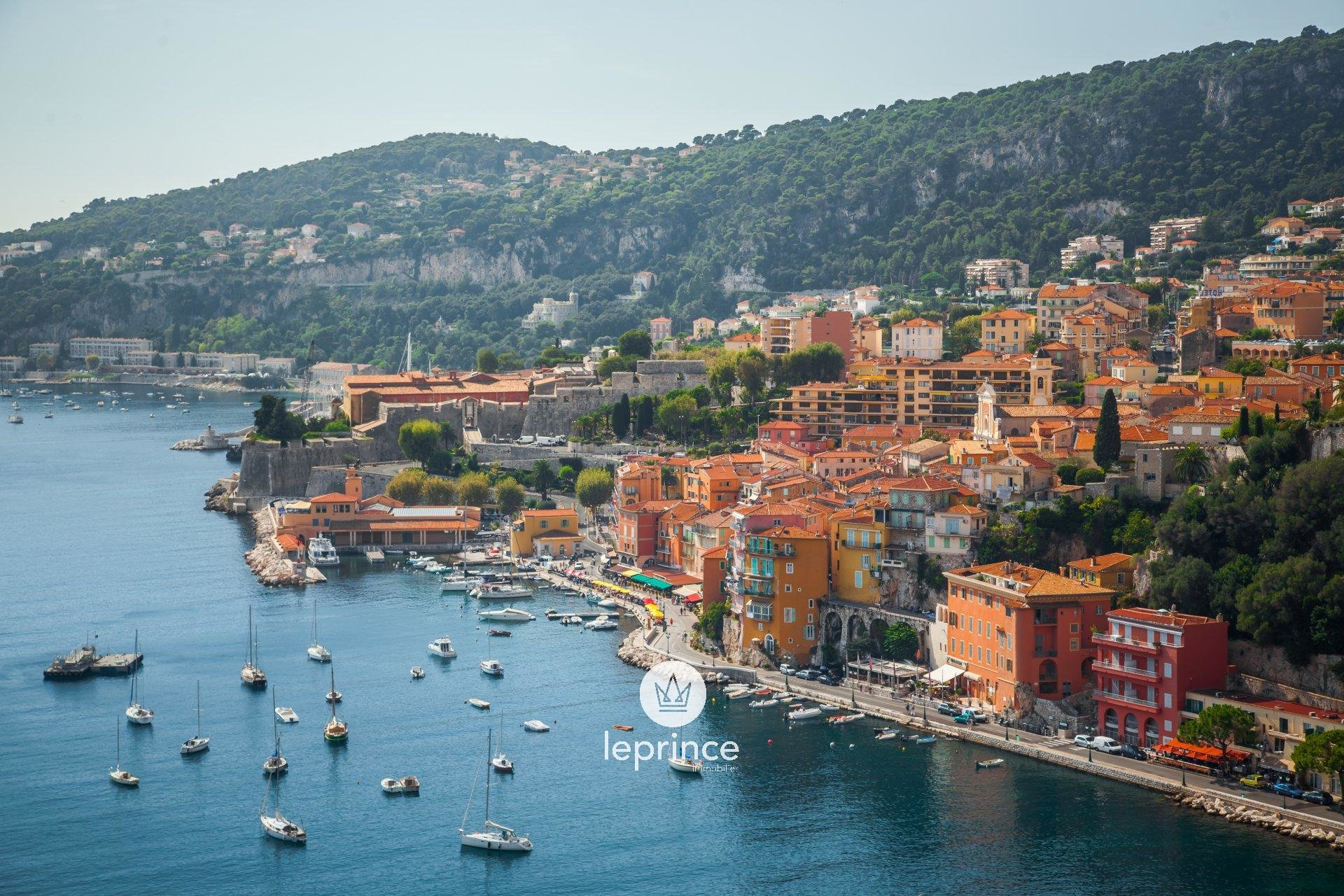 Villefranche-Sur-Mer: LAST FLOOR - Terraces - Panoramic Sea View