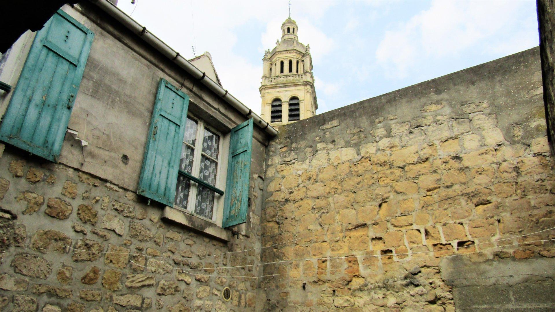 Maison de Ville et sa cour privée