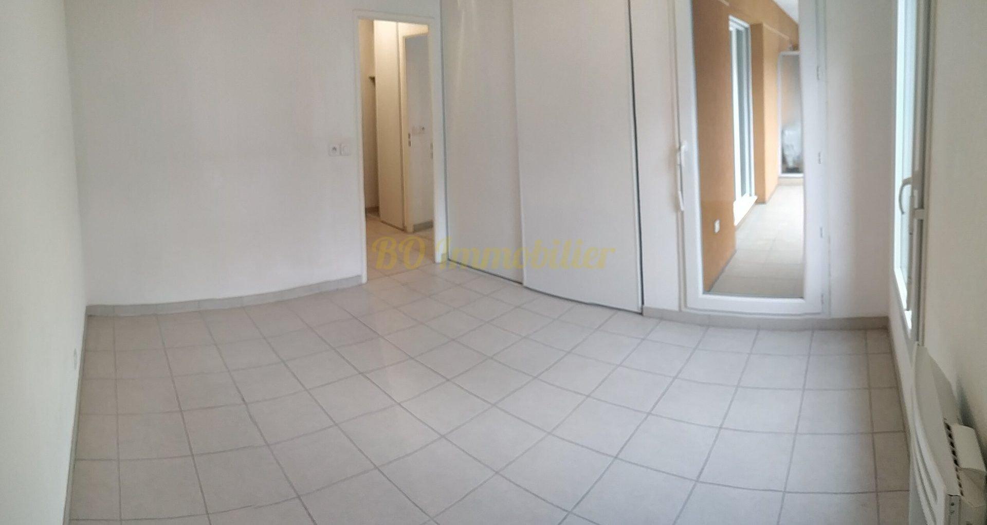 Beau 2 pièces de 46m² + Balcon + place de parking