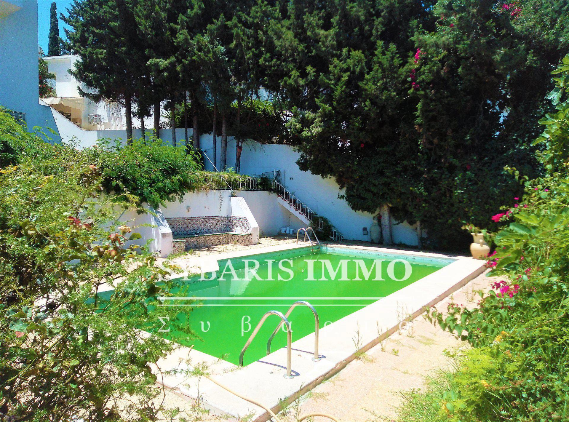 Rez de chaussée avec piscine aux gammarth
