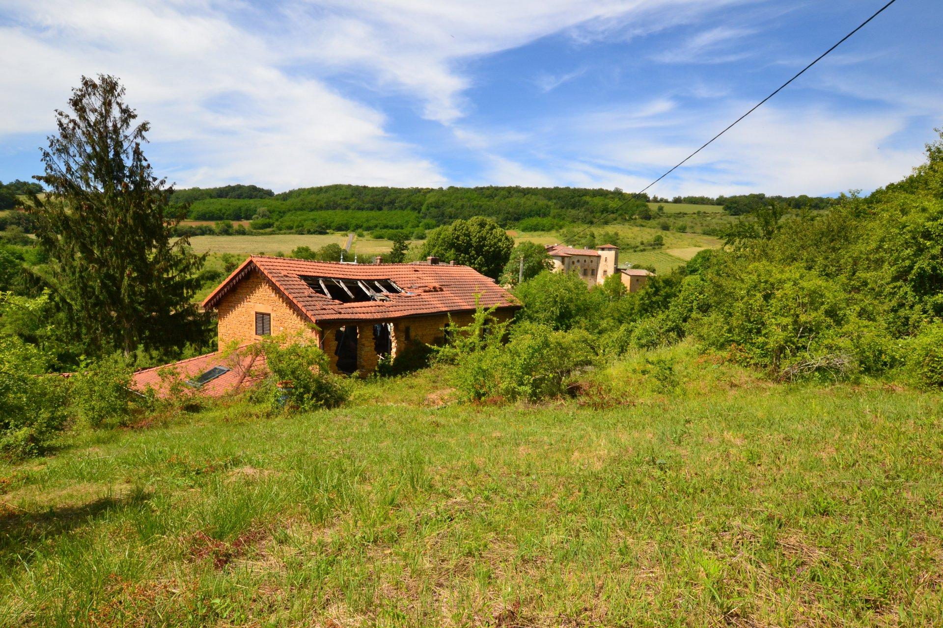 EXCLUSIVITE - Maison en pierres dorées à rénover