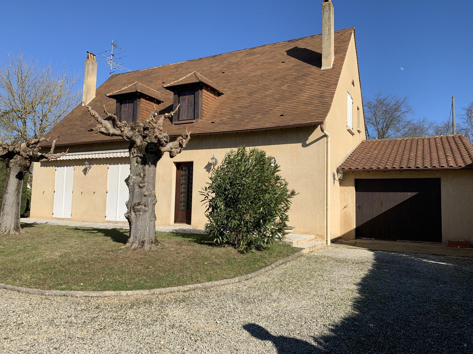 Maison de 150m² sur 1032m² de terrain clos et arboré