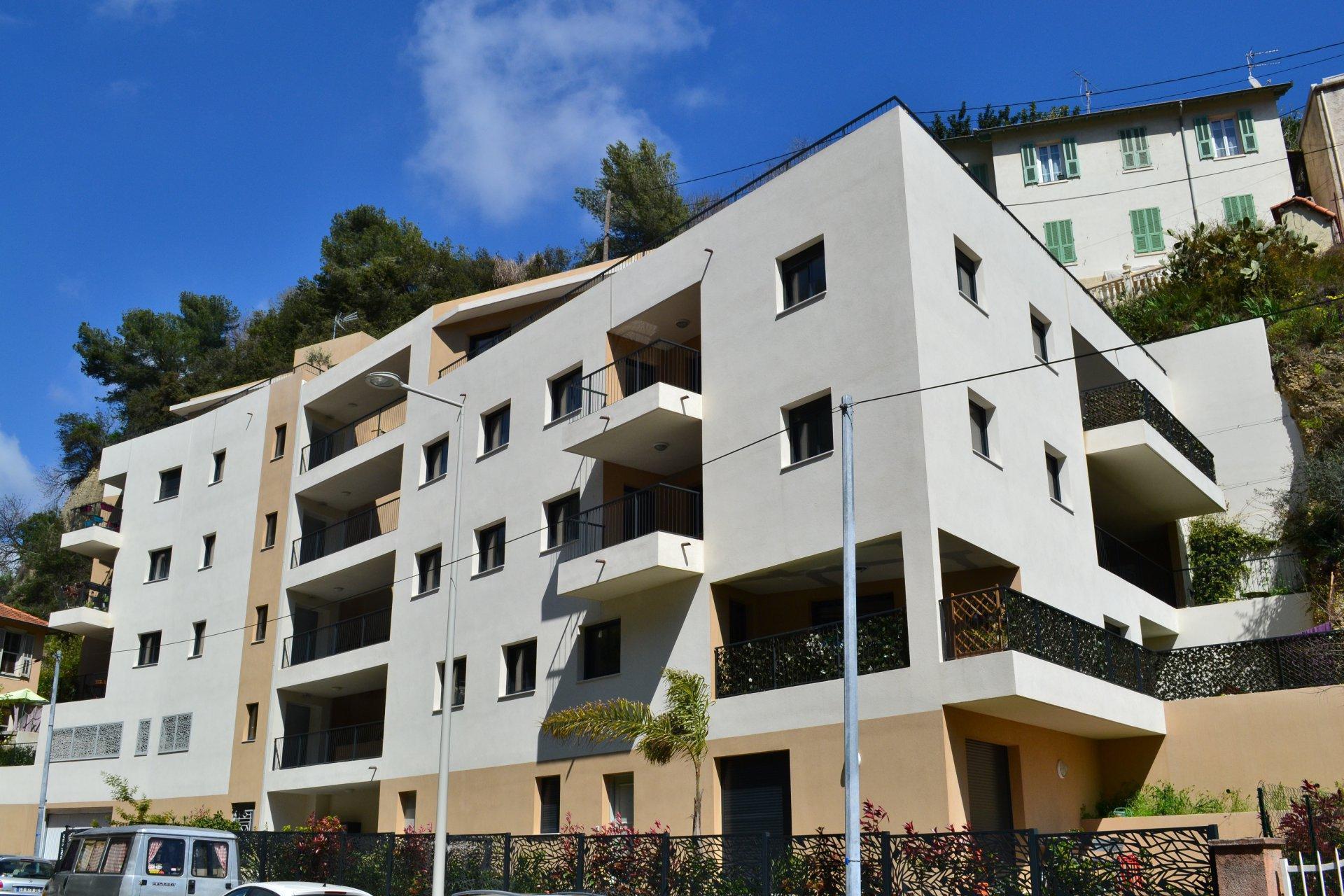 ALPES MARITIMES (06) - NICE SAINT SYLVESTRE - VENTE 3 pièces terrasse