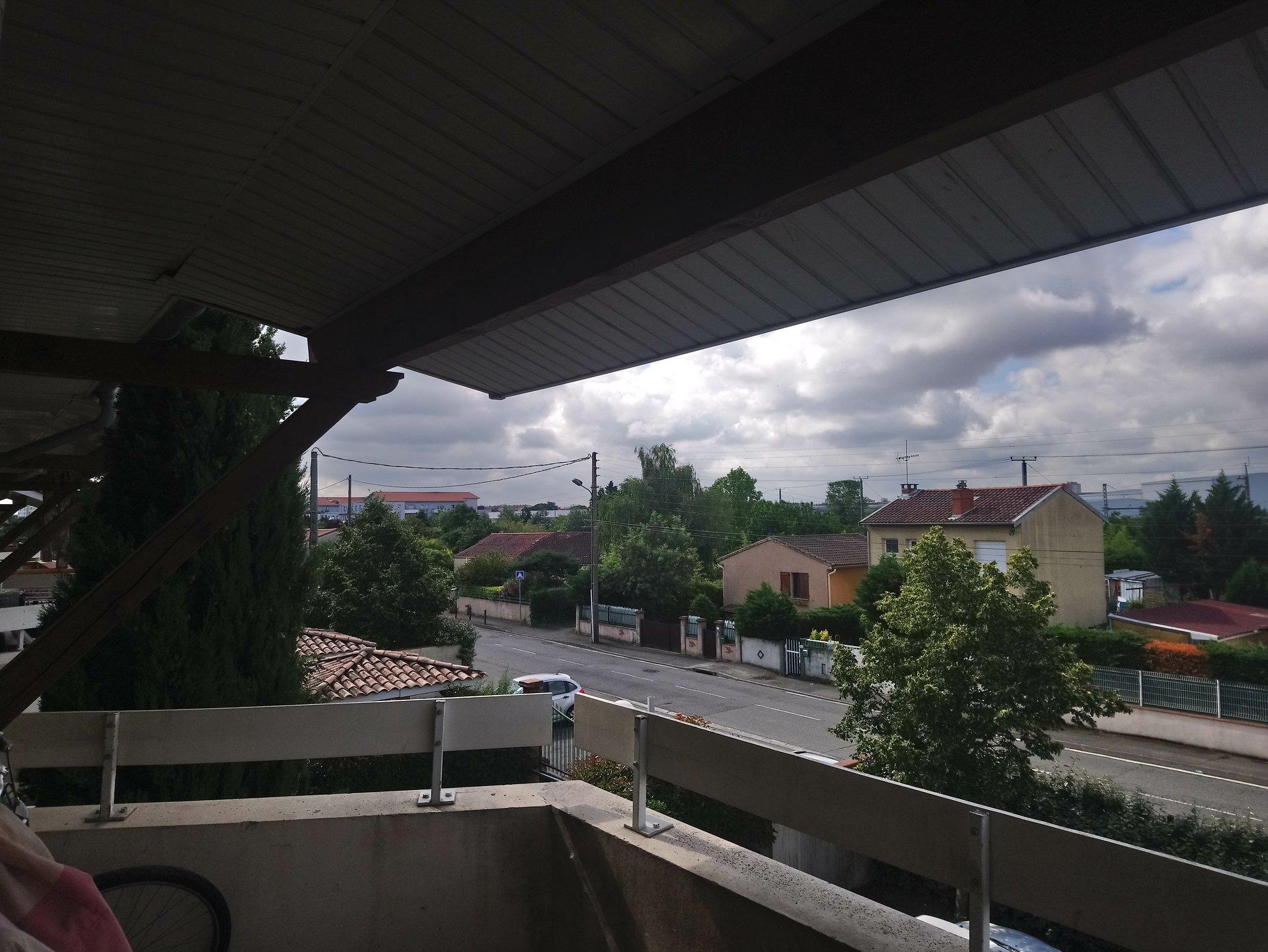 URGENT à VENDRE à TOULOUSE  Jolie T2 dans résidence balcon/piscine/parking