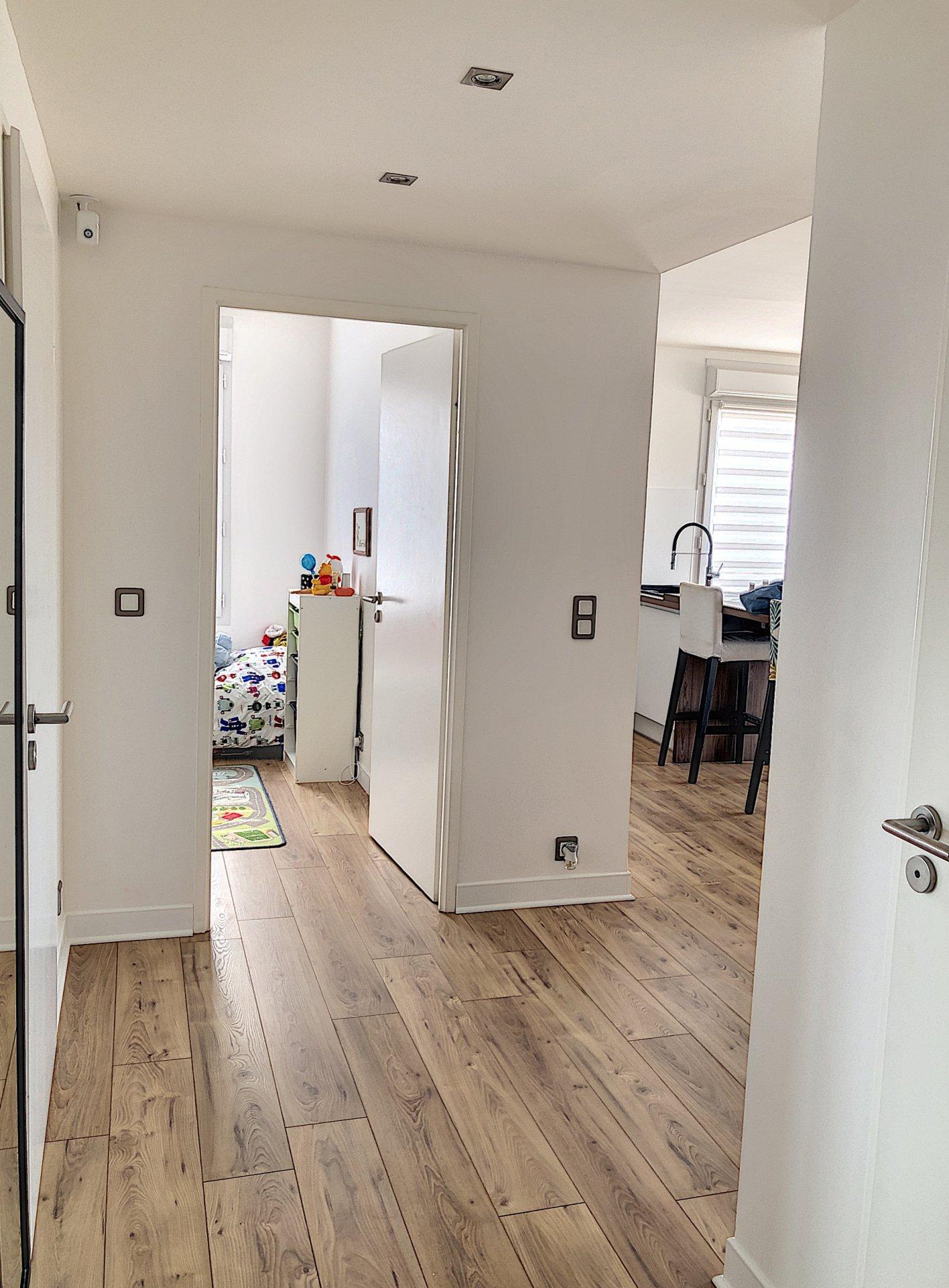 CARROS LES PLANS (06510) - appartement 3 pièces - terrasse - parking