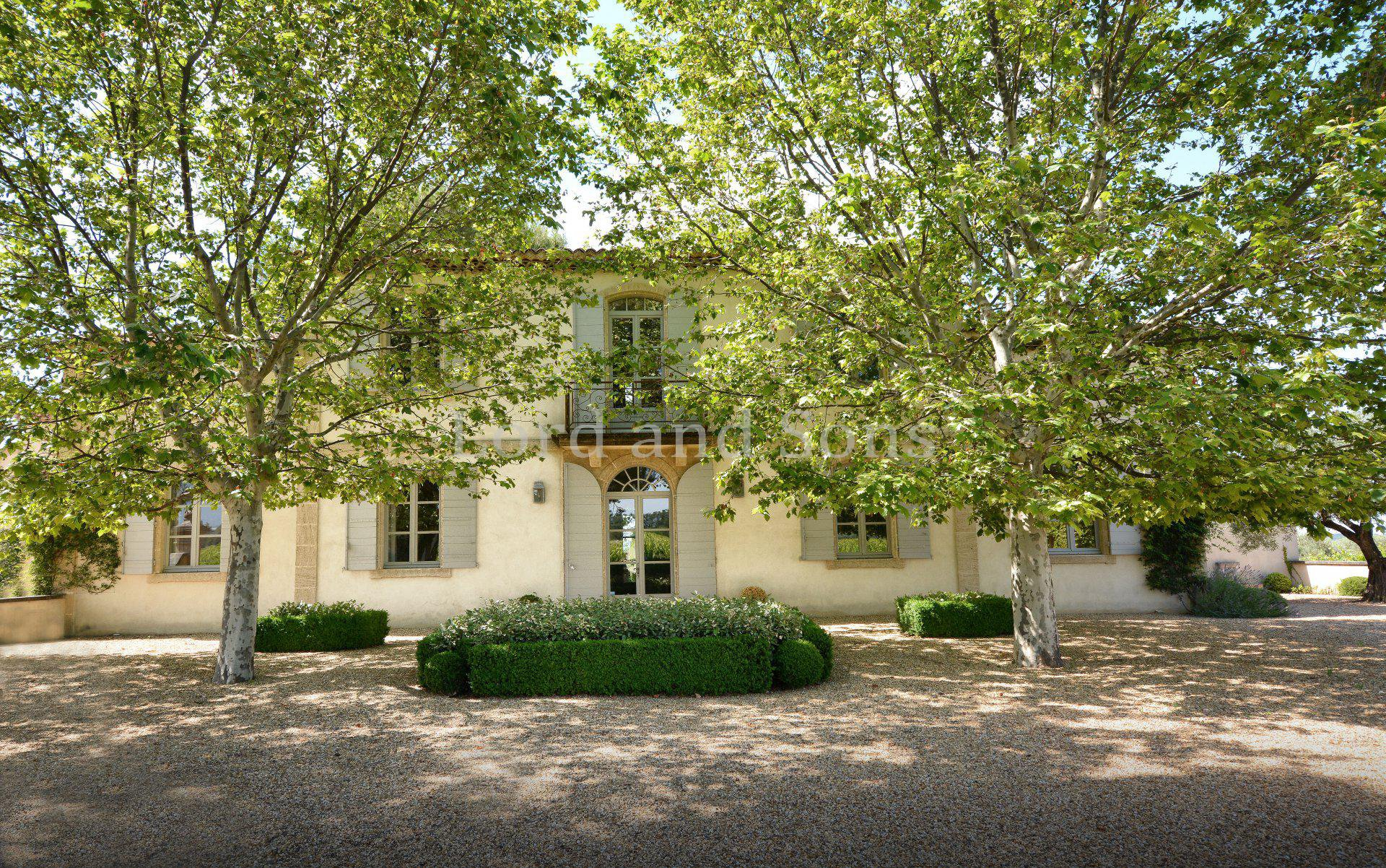 Mas Provencal A Vendre En Camargue lord and sons real estate - farmhouses and stone houses in