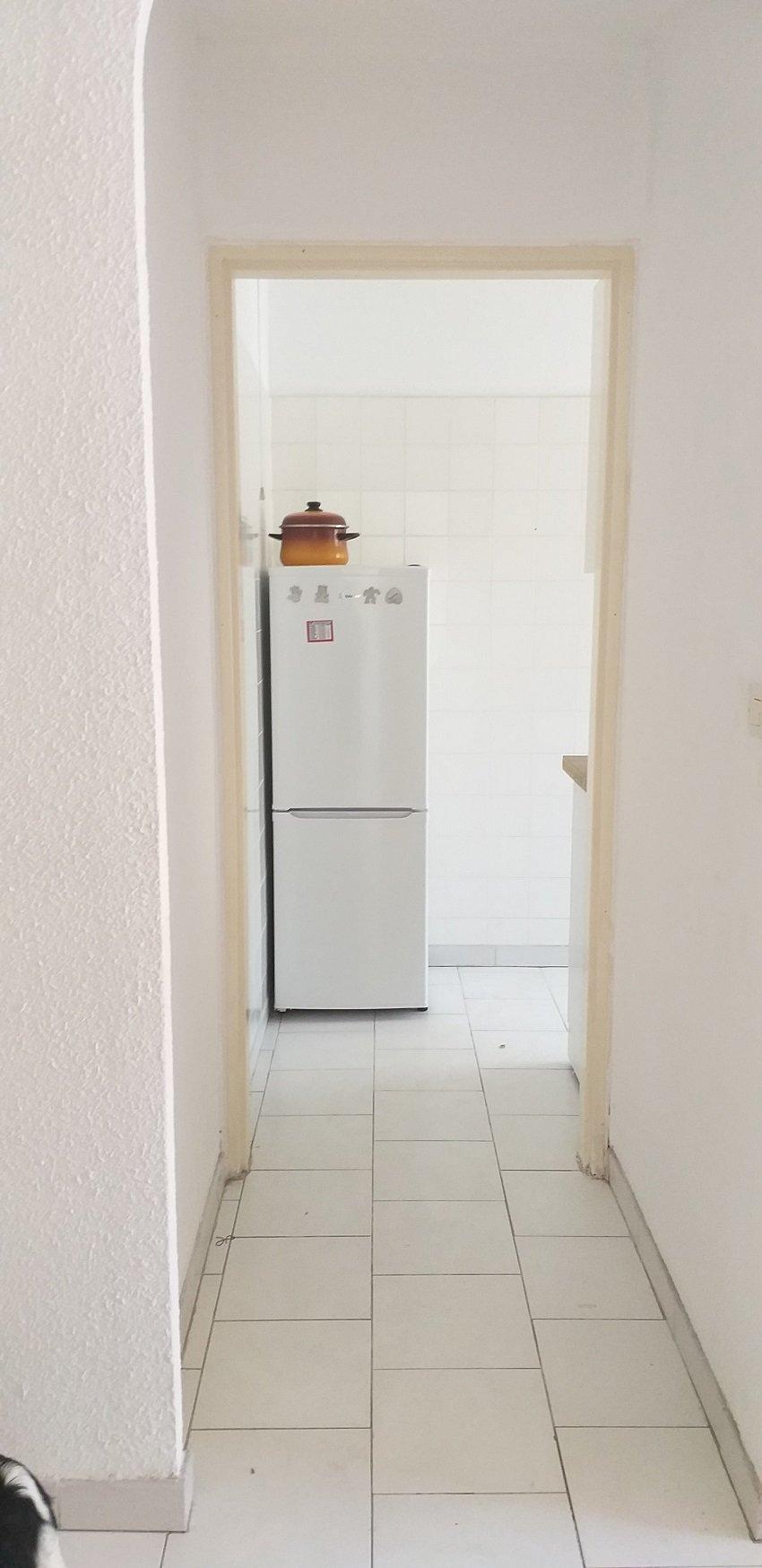 Proche Magnan 2P avant dernier étage