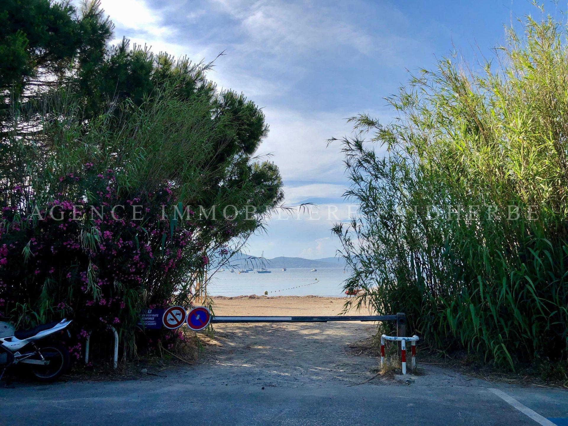 Charmante maison face à la plage des Canoubiers