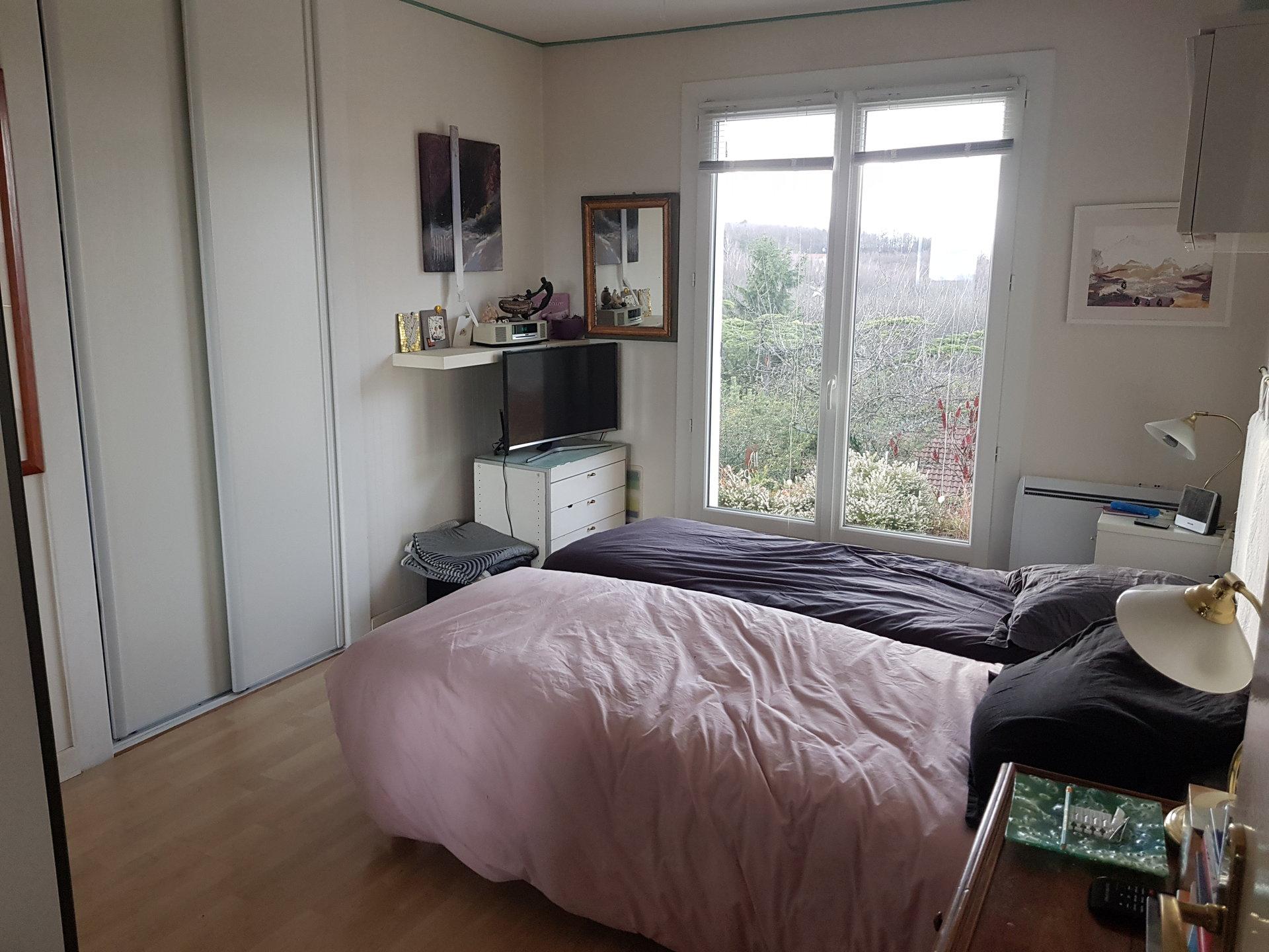 SAINT SORLIN DE VIENNE, Villa T5 de 122 m² sur sous-sol.