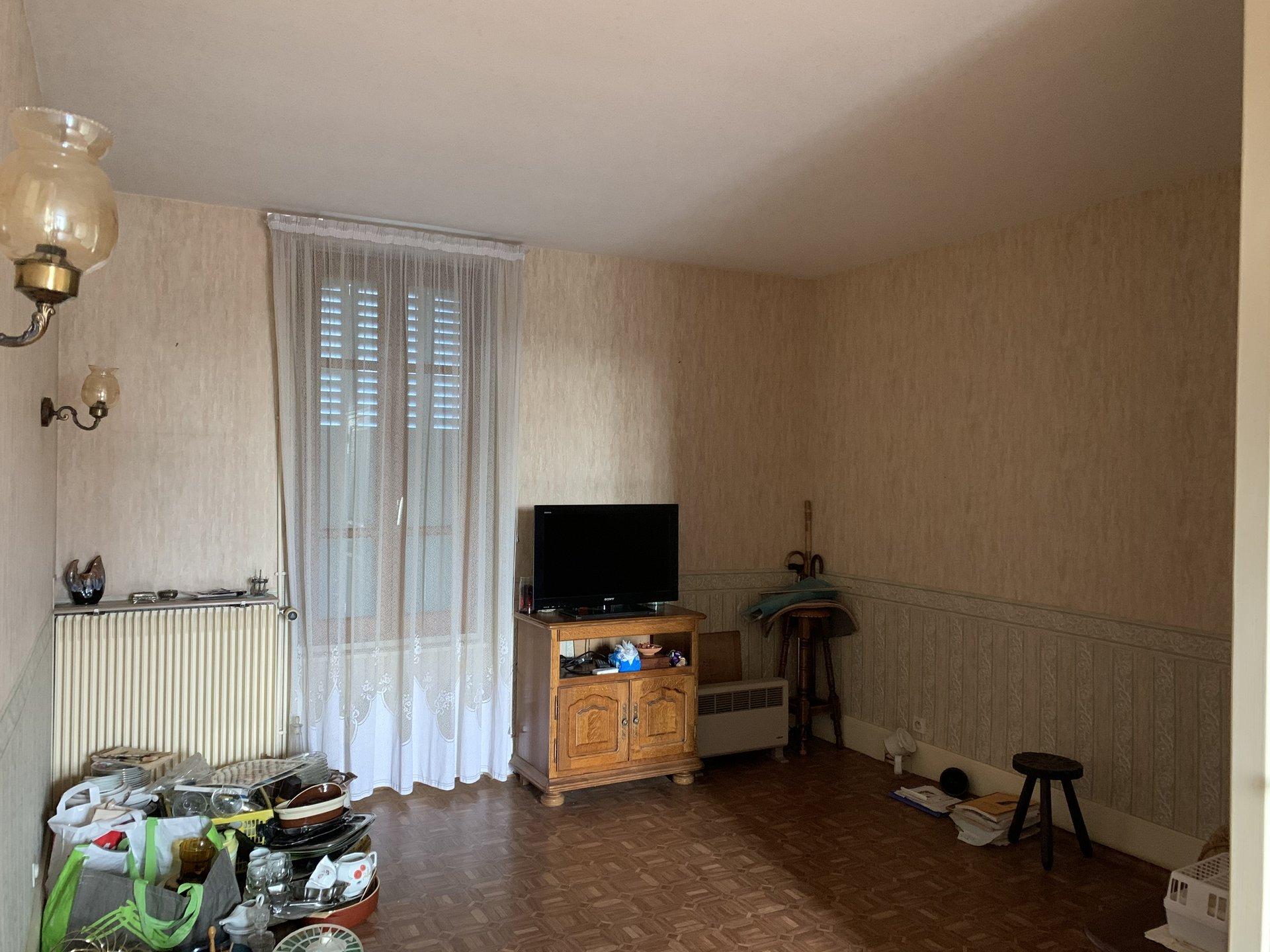5906JMM - Maison de Bourg - ST GERMAIN/F