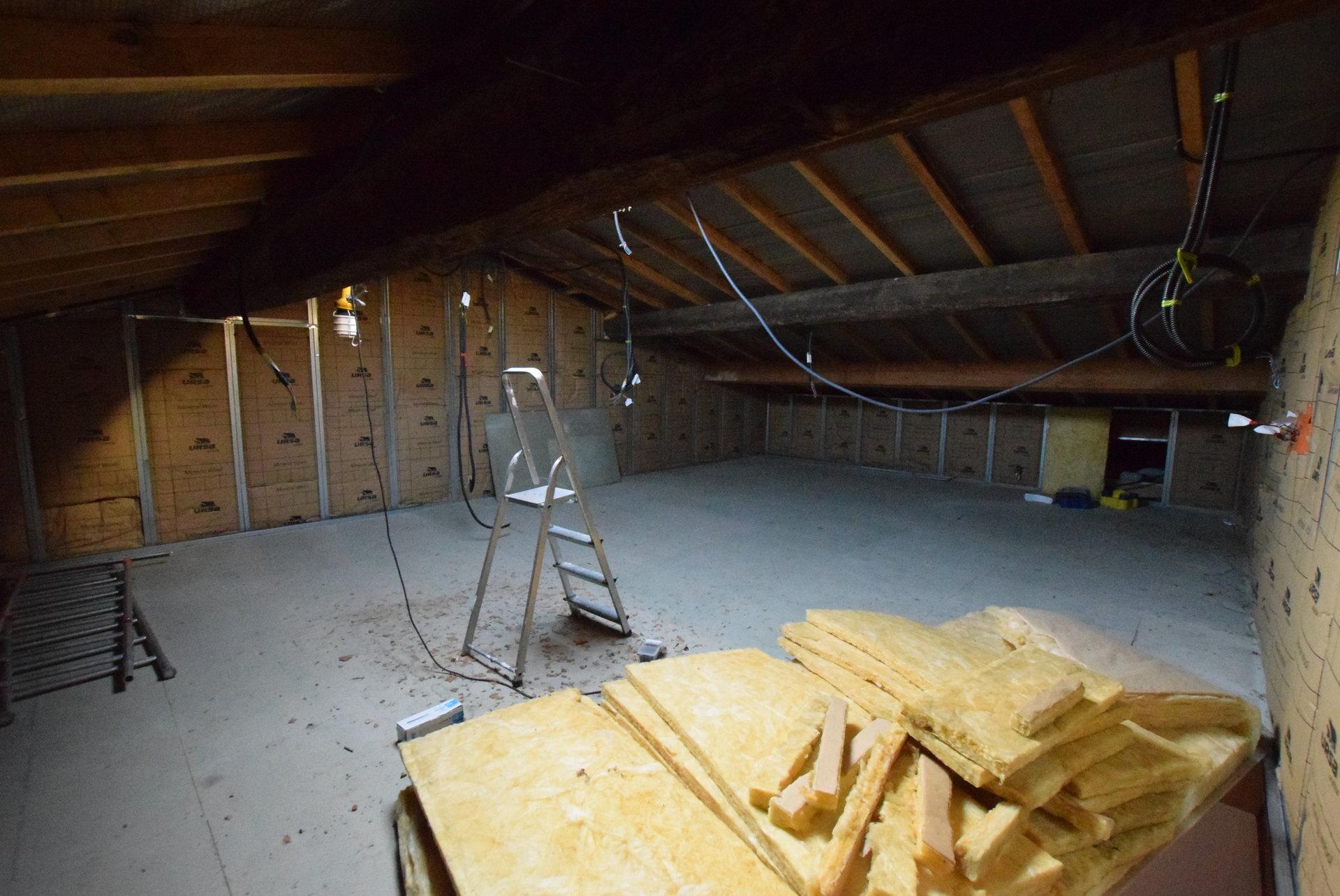 Maison vigneronne avec grand garage et terrasse
