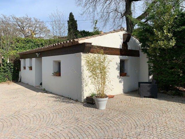 Vence :  superbe provençale 220 m2