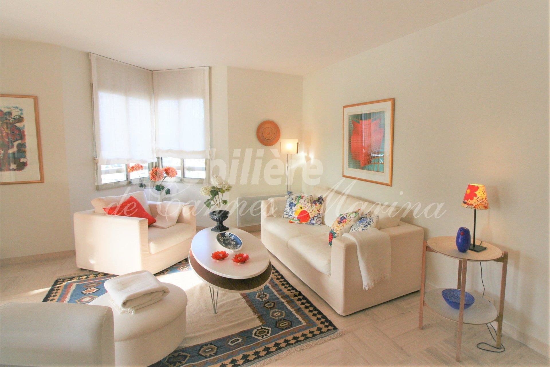 LARGE 1 bedroom apartment - South/West sun exposure