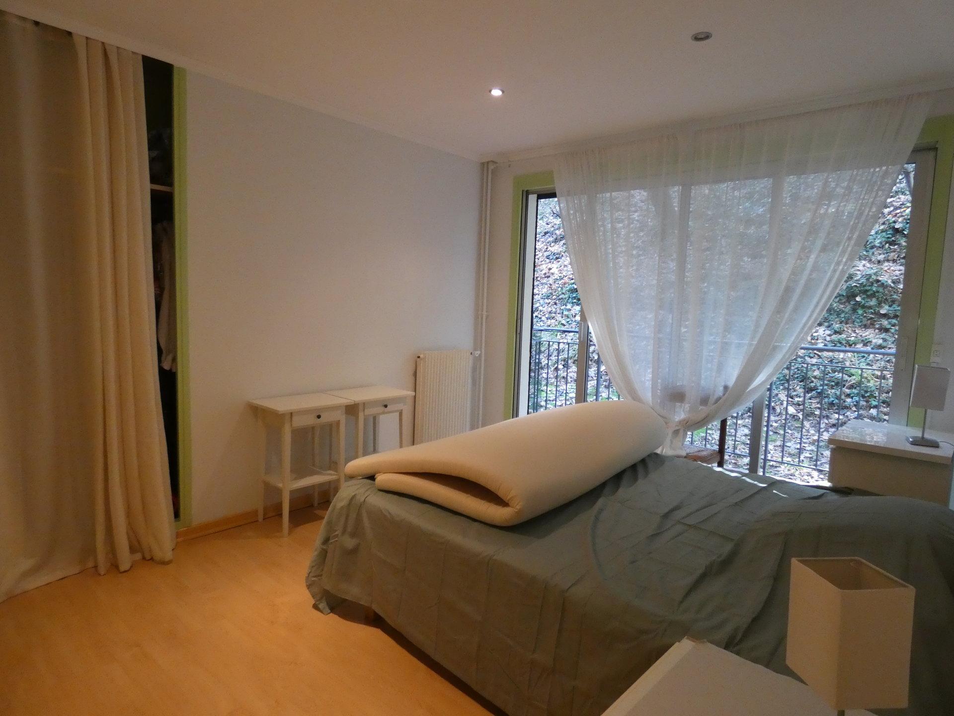 Vence proche village appartement 4 pièces 93m2 parking + cave