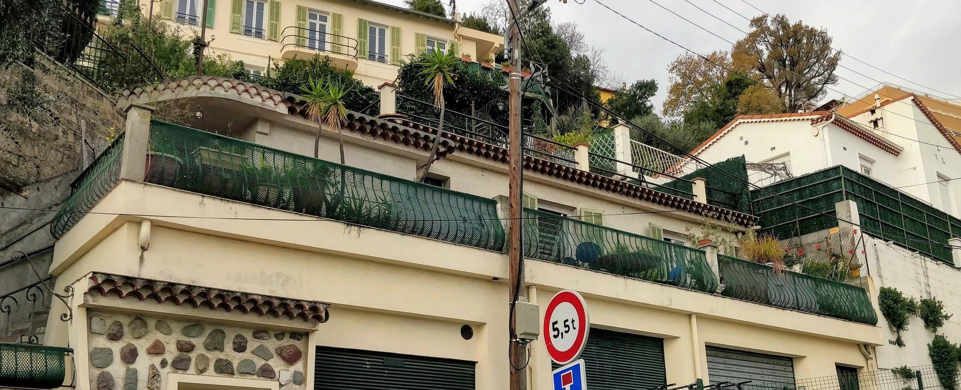 Sale House - Nice Pessicart