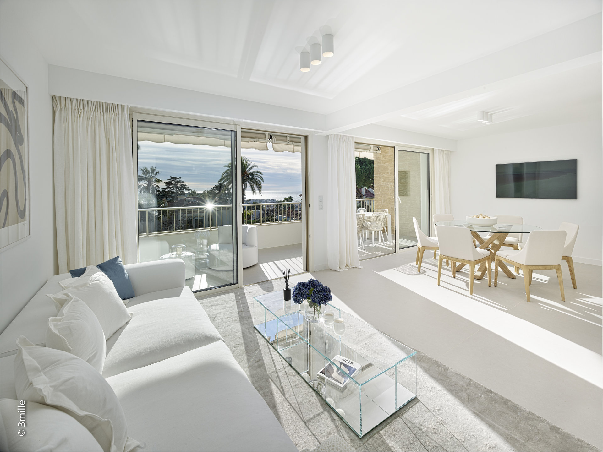 Cannes Californie - Prestigious residence - Magnificent contemporary 4 rooms apartment with terrace and sea view