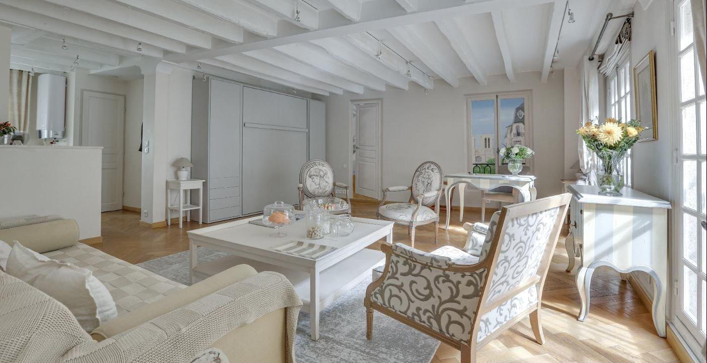 NOTRE DAME - RUE DE L'HOTEL COLBERT