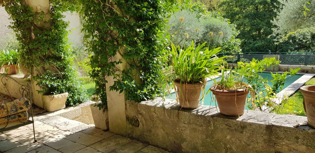 Entrecasteaux 4 village houses (chambres d'hôtes) for sale.