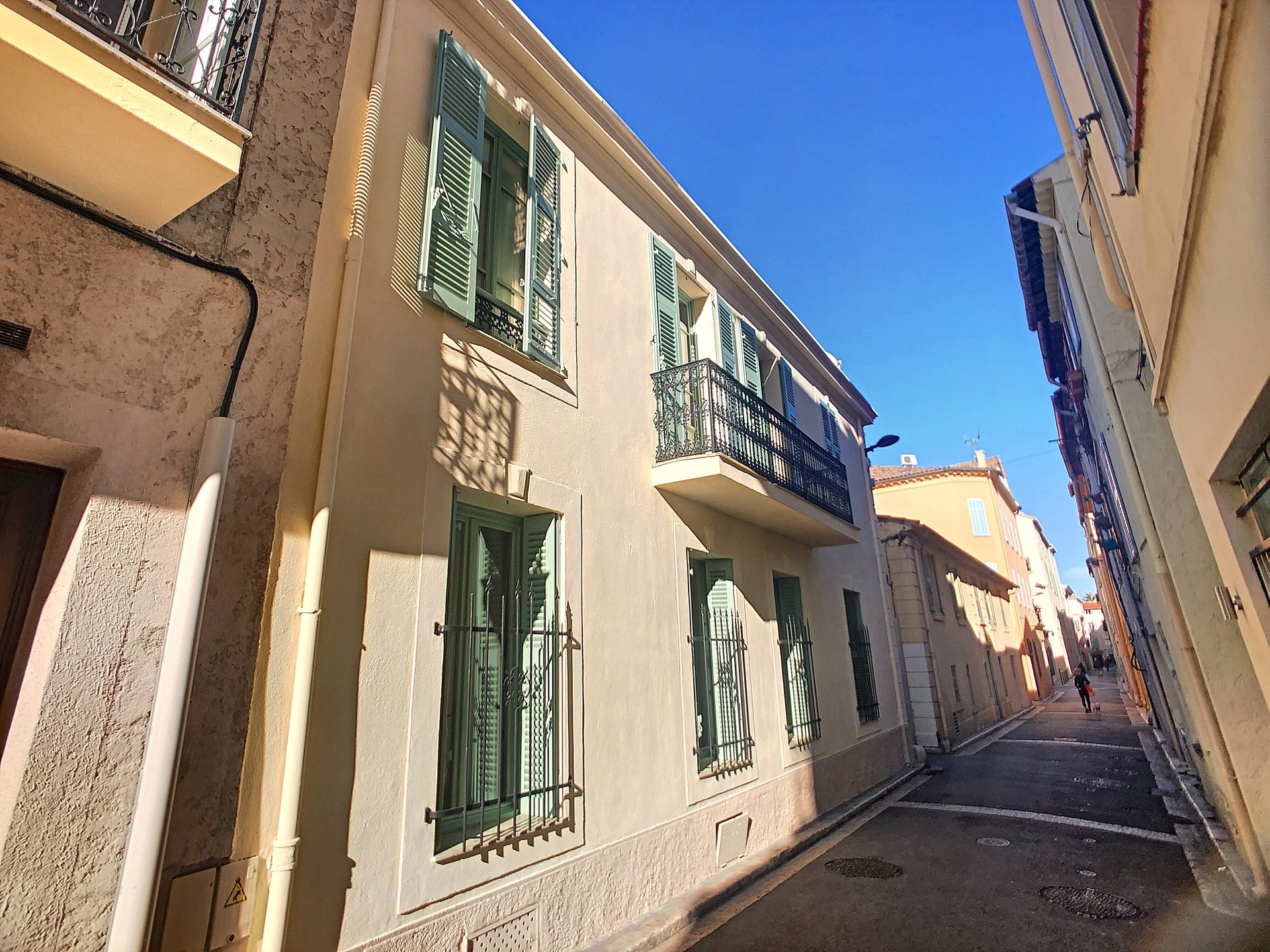 OLD ANTIBES - 2 bedrooms