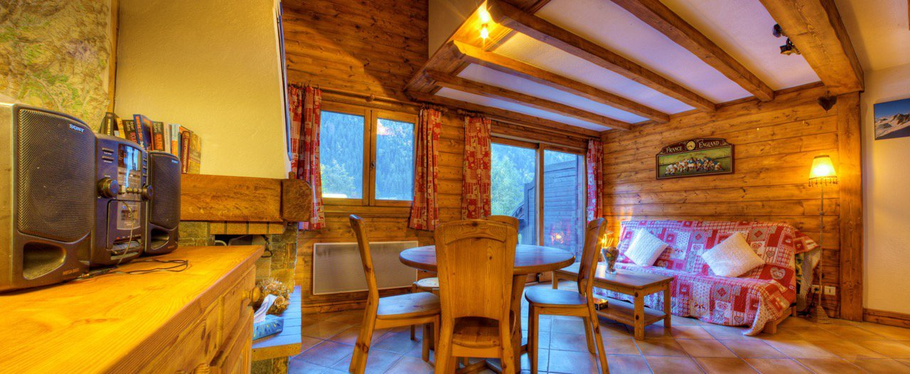 L'AIGUILLE– CENTRE OF CHAMONIX 3 BEDROOMS SOUTH FACING