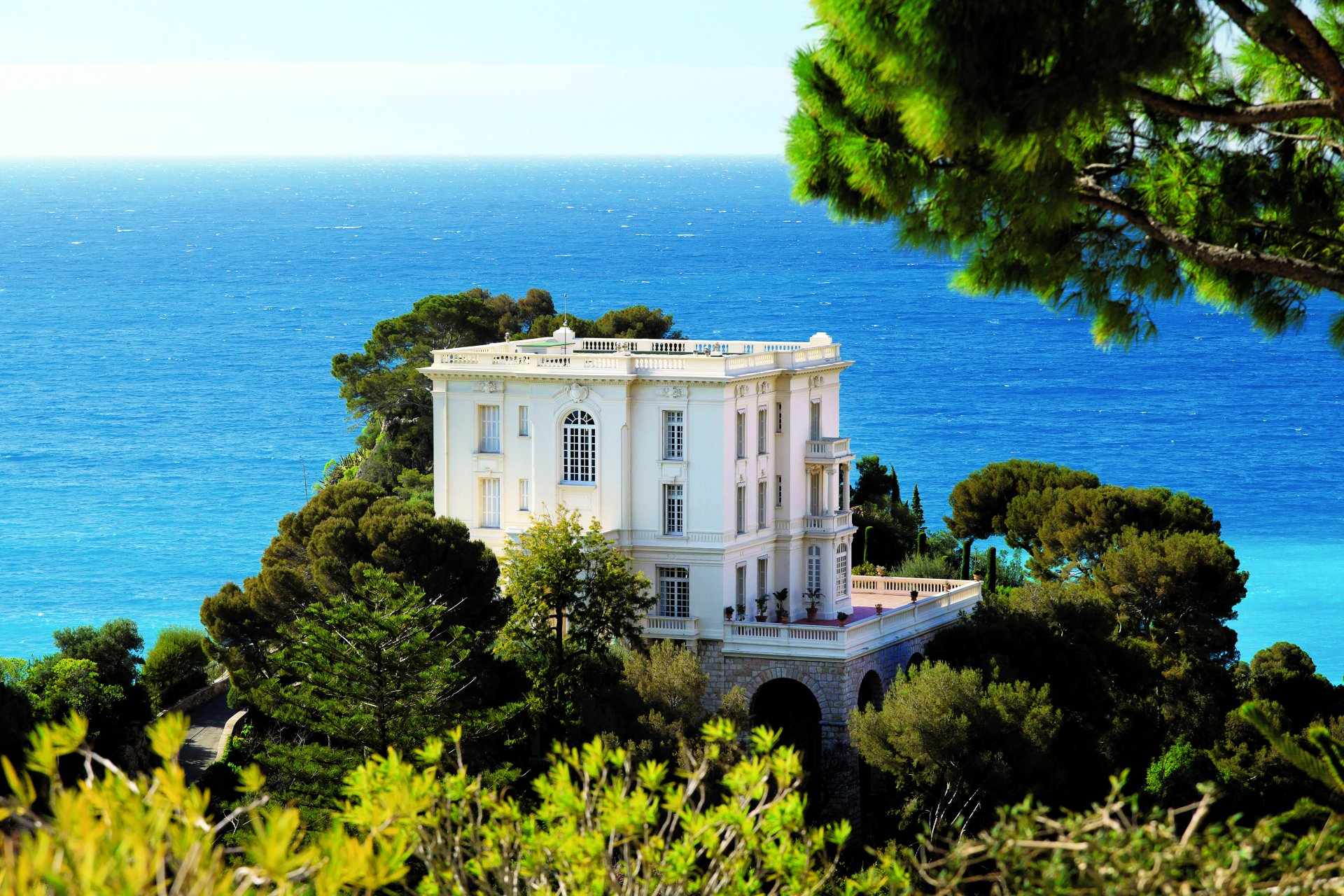 Rental - Marvelous Villa Palace Roquebrune-Cap-Martin, Monaco