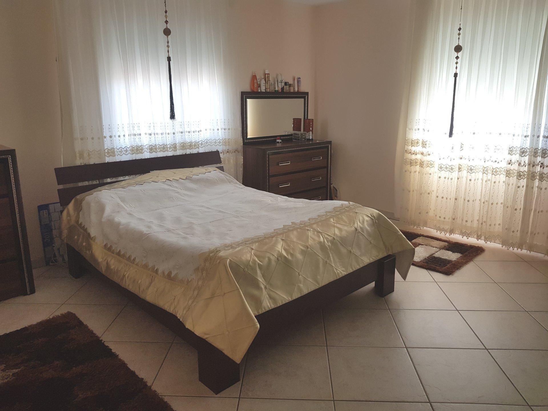 BEAUREPAIRE, Villa T7 de 260 m² avec terrain de 1660 m².