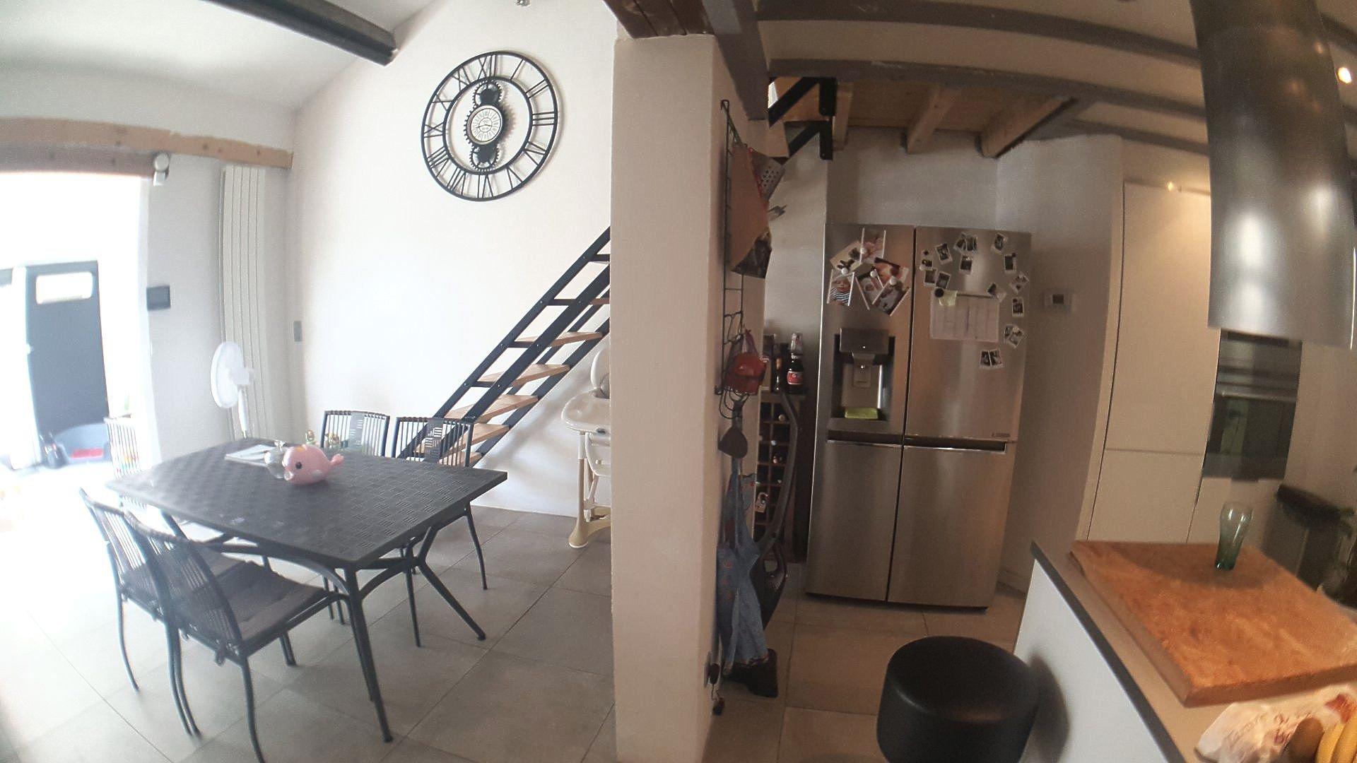 Maison 3 chambres avec garage et jardins