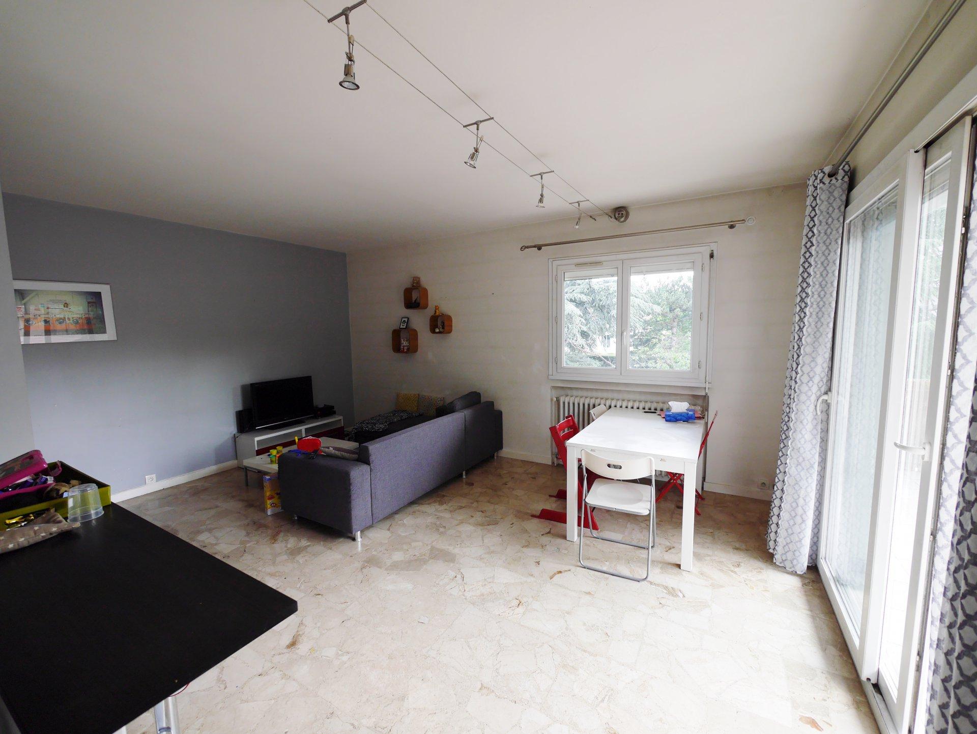 Sale Apartment - Bron