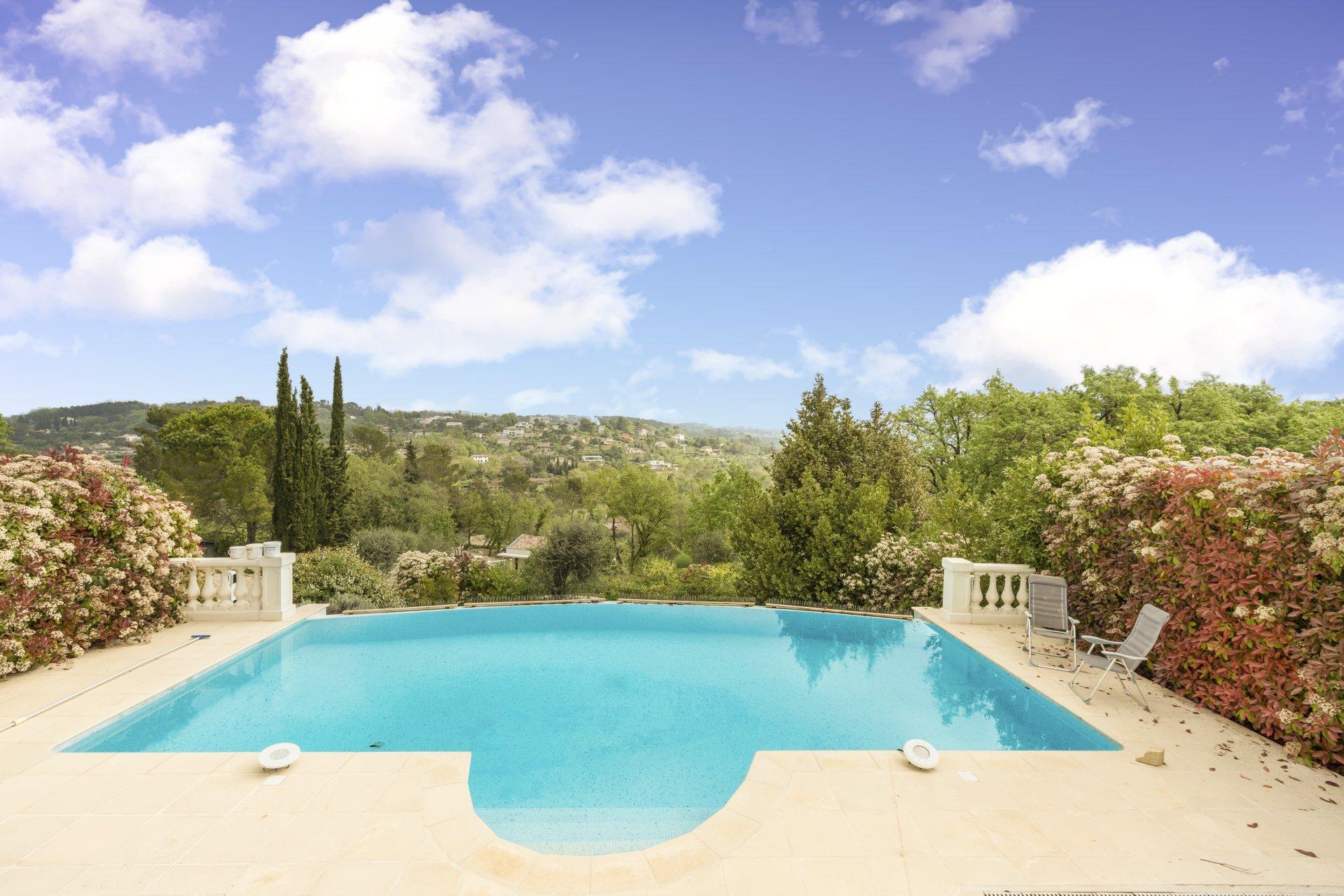 Valbonne: Villa au calme absolu avec superbe vue panoramique