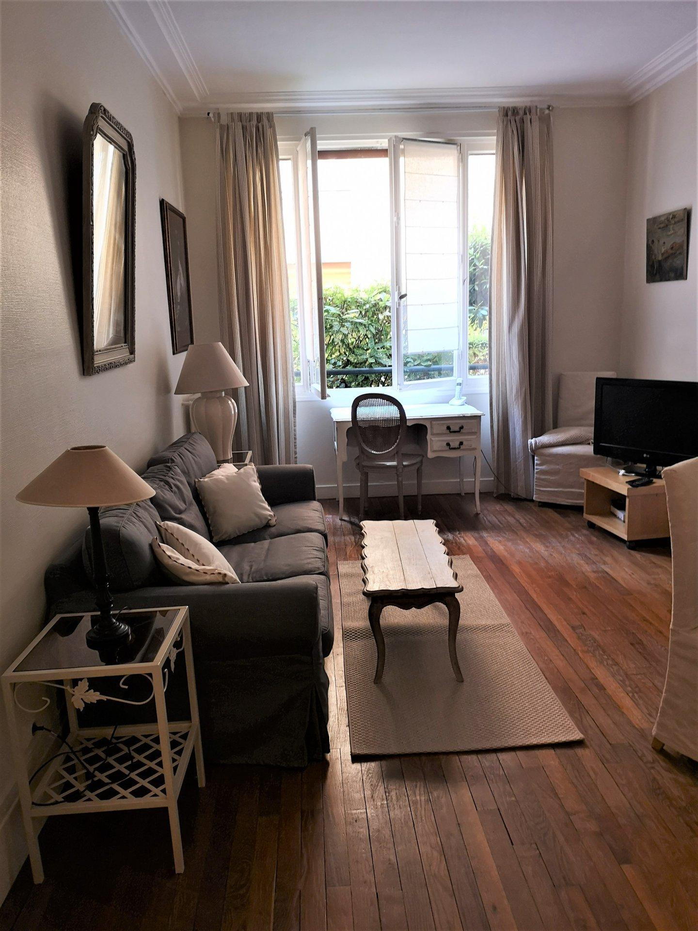 Rental Apartment - Paris 16th (Paris 16ème) Porte-Dauphine