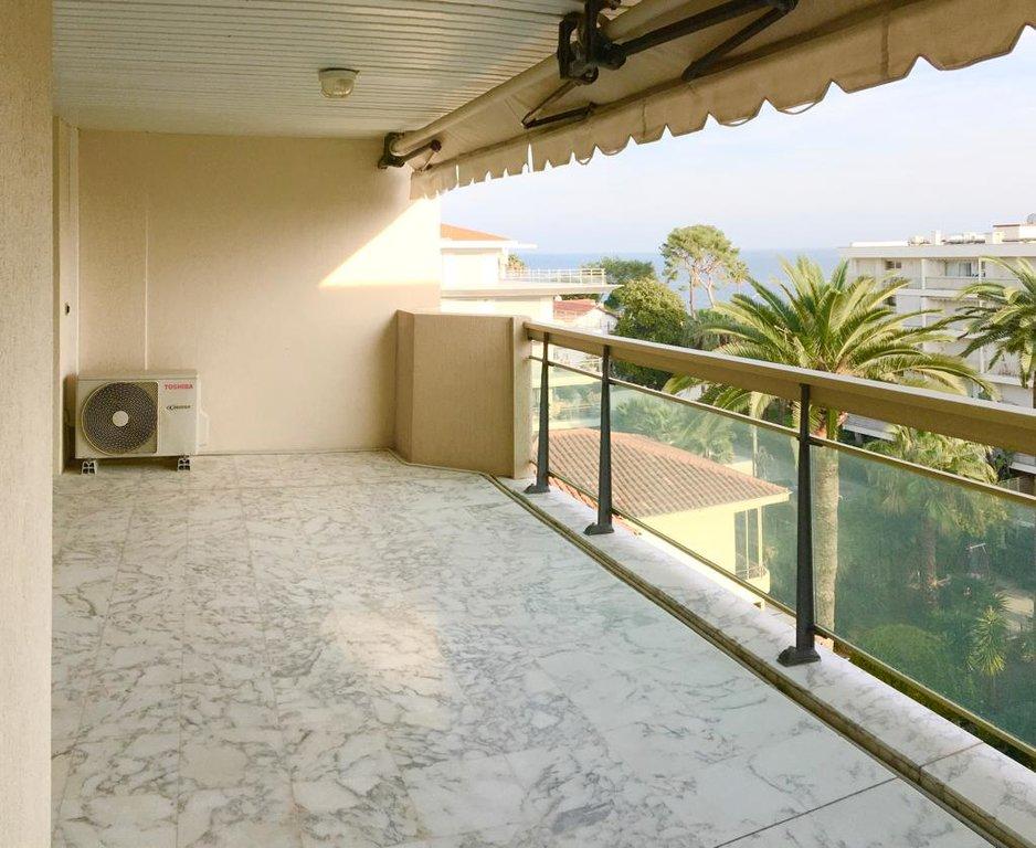 cannes Palm Beach 3P  85 M2 top floor sea view