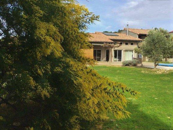 MAISON D'ARCHITECTE T7 200 M2  PISCINE TERRAIN 1766M2 PROCHE DE NARBONNE