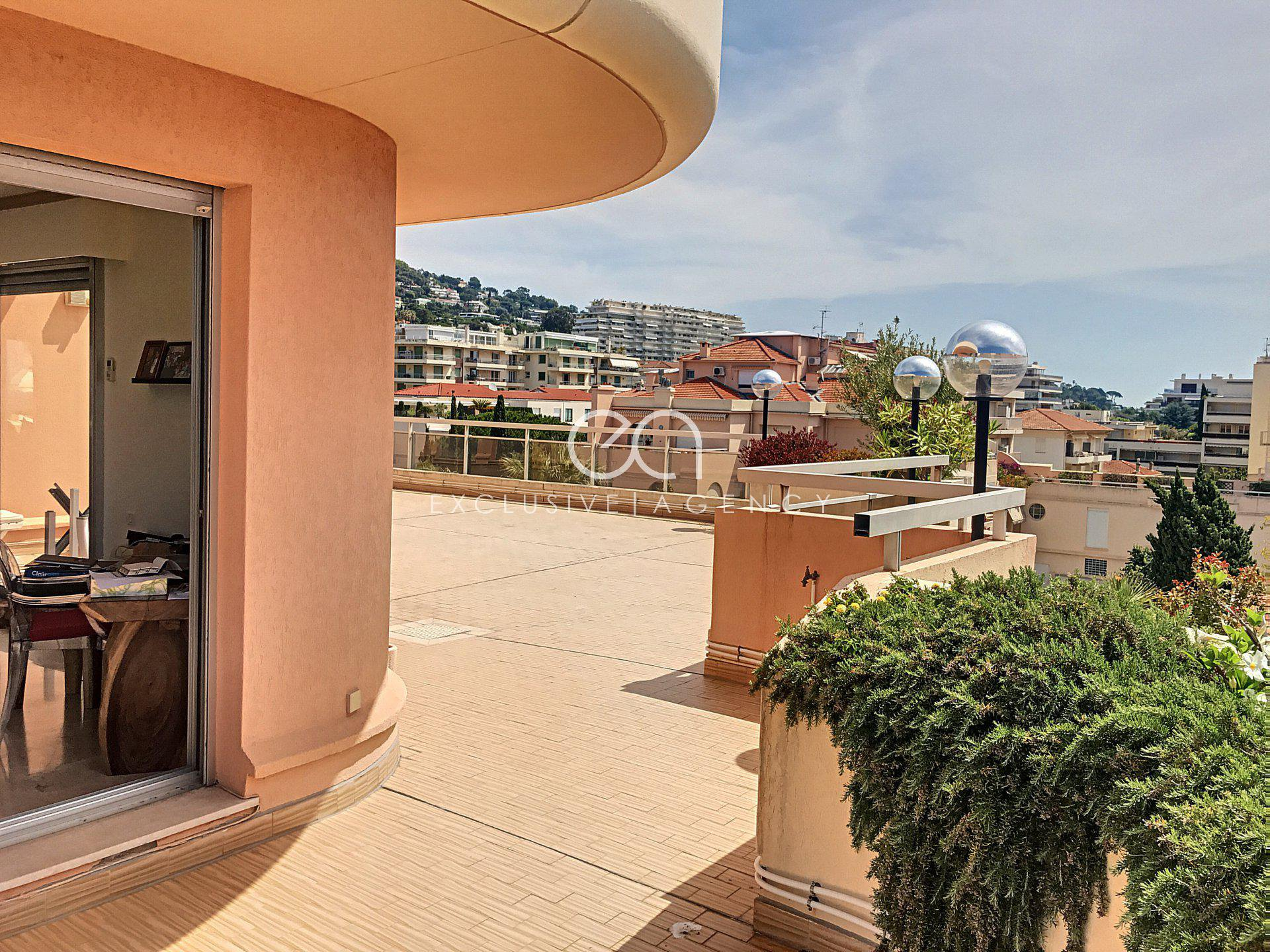 Appartement-terrasse à vendre Cannes - Basse Californie - terrasse 254 m2