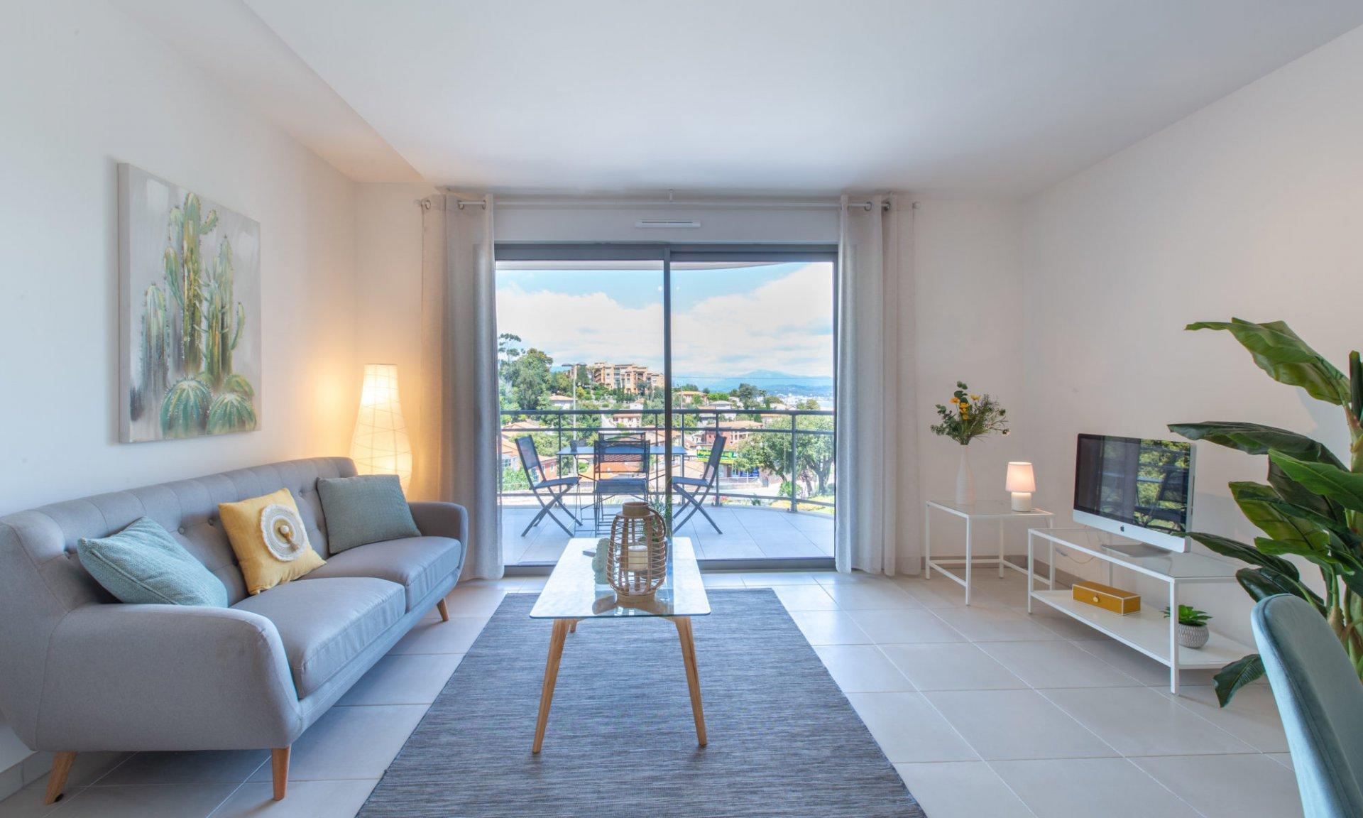 Theoule s/m 3 pièces de 88 m² terrasse , vue mer, parking